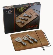 Arthur Price Cheese board and 3 stainless steel cheese knives