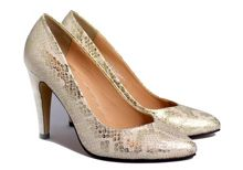 Sam and Billie for Carlton London Kyna court shoes