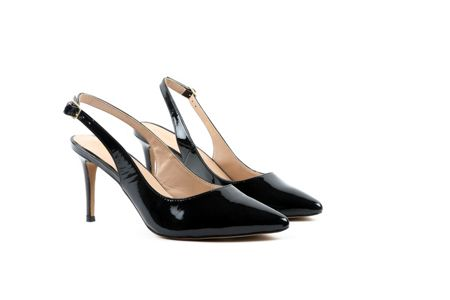 Carlton London Margie patent leather court shoes