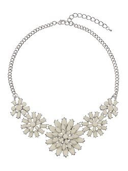 Thea flower necklace