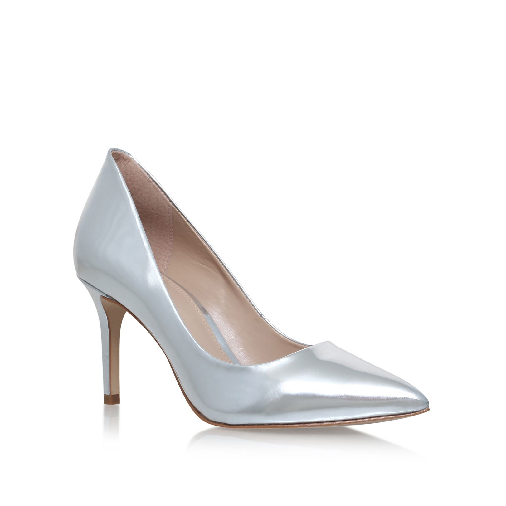 Indulge in exquisite style with glamorous court shoes. For workwear chic, complete your look in pointed nude, black or navy style, whilst red and pink designs are sure to turn heads.