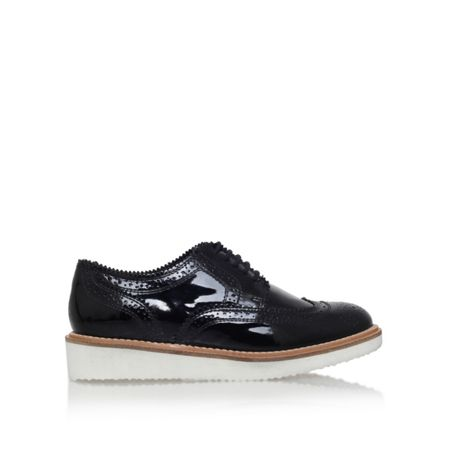 KG Knox low heel lace up shoes