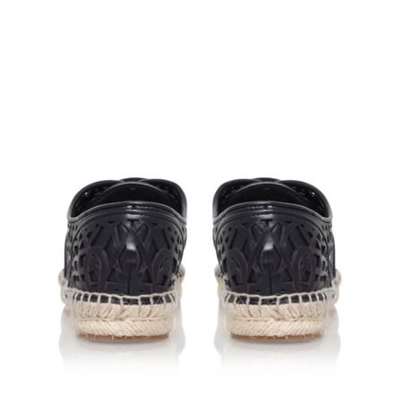 Vince Camuto Dinah flat lace up sneakers