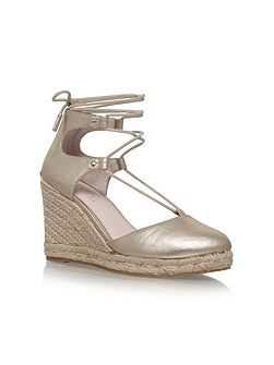 Kute high wedge sandals
