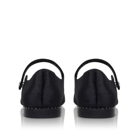 KG Kingdom flat sandals