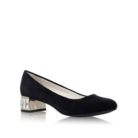 Anne Klein Haedyn mid heel court shoes