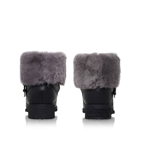 UGG Chyler low heel ankle boots