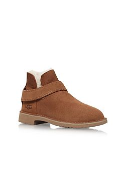 Mckay flat ankle boots