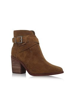 Cecanne zip up ankle boots