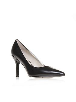 Flax pointed court shoes