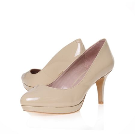 Desti high heeled court shoes