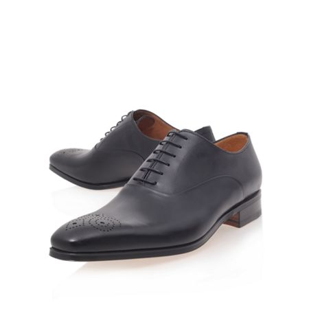 Stemar Chisel punch toe oxford formal shoes