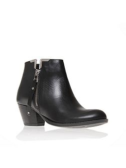 Scampy ankle boots