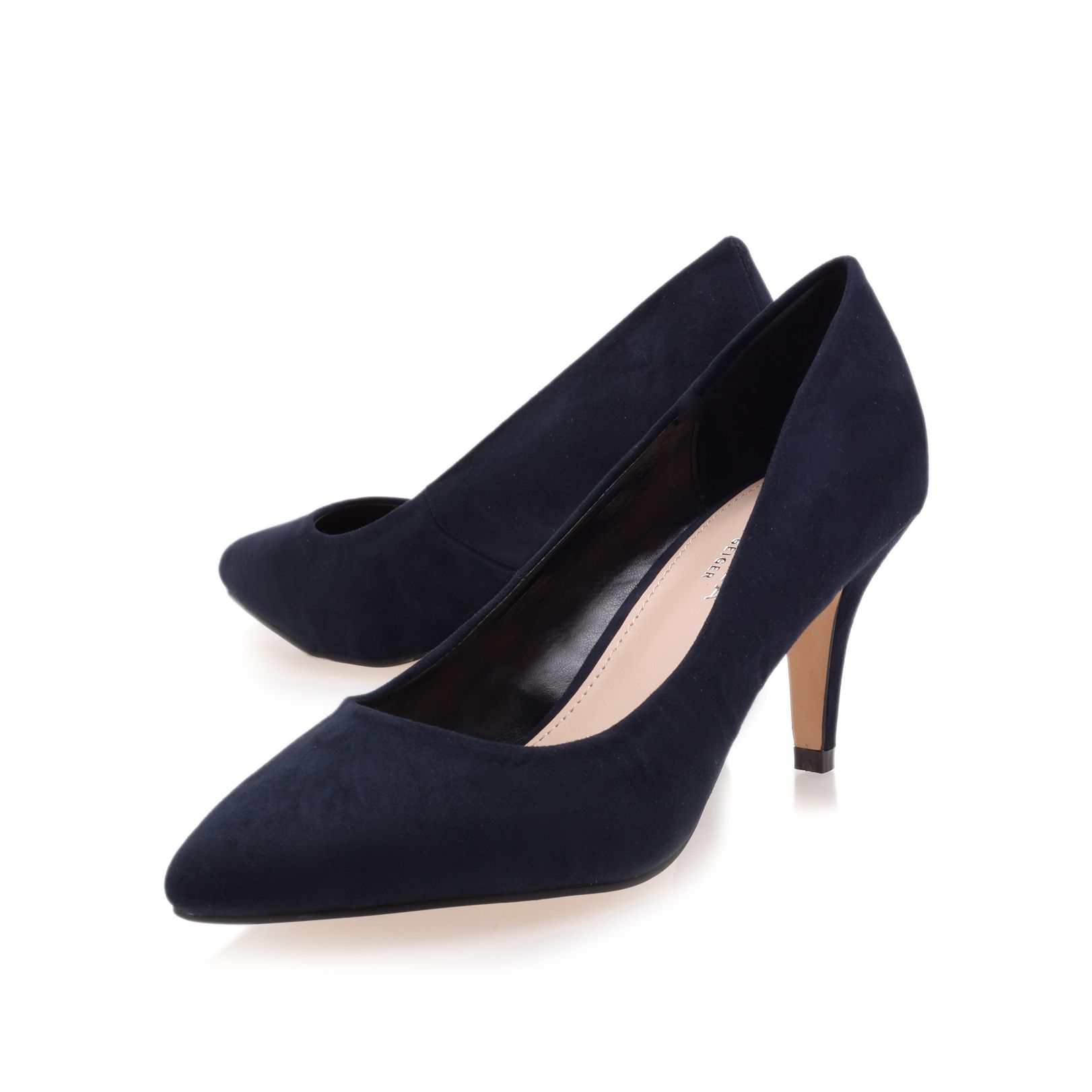 Kairo court shoes