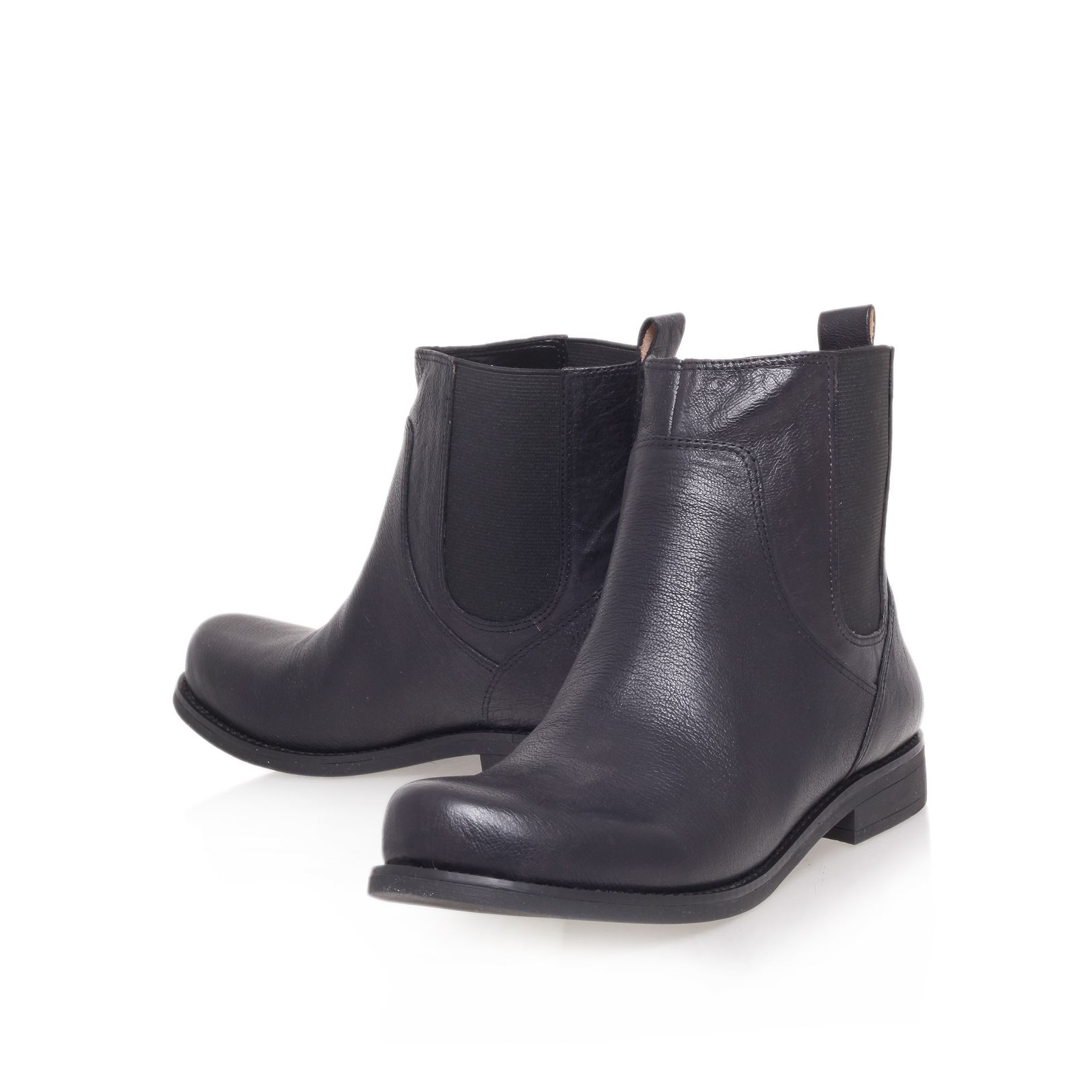 7figama flat ankle boots