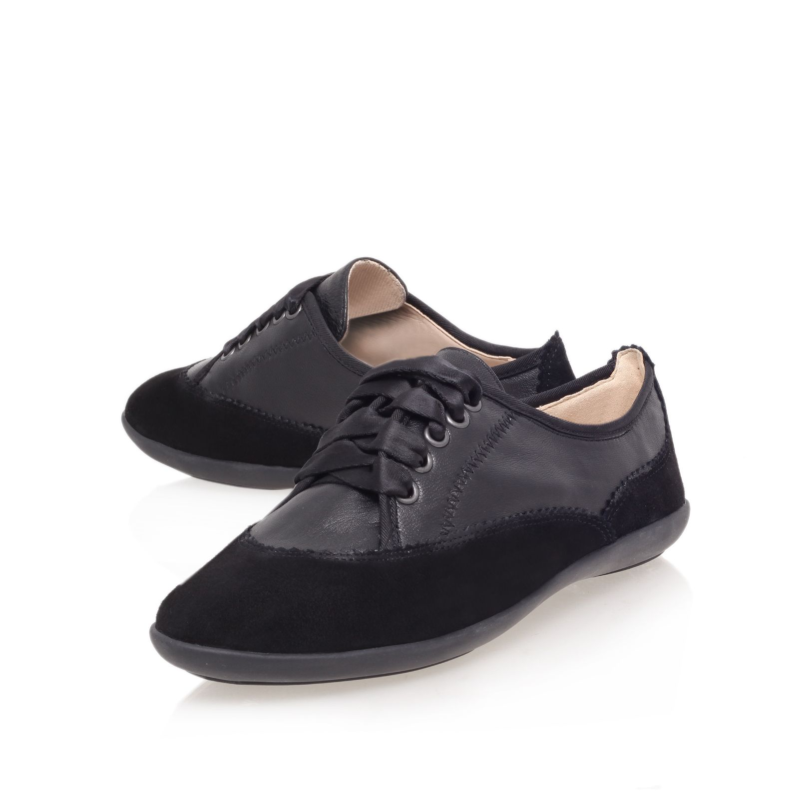 Kondofcute flat low top trainers
