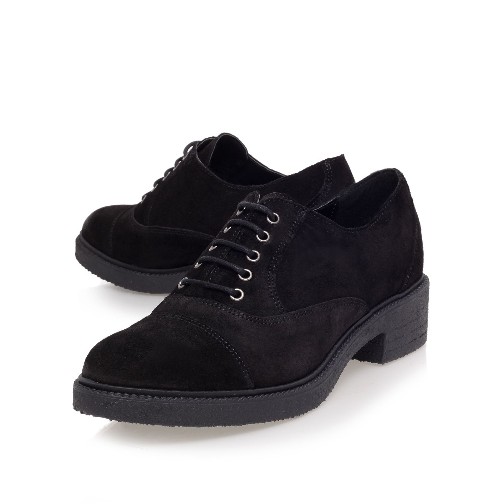 Loopy low heel lace-up shoes