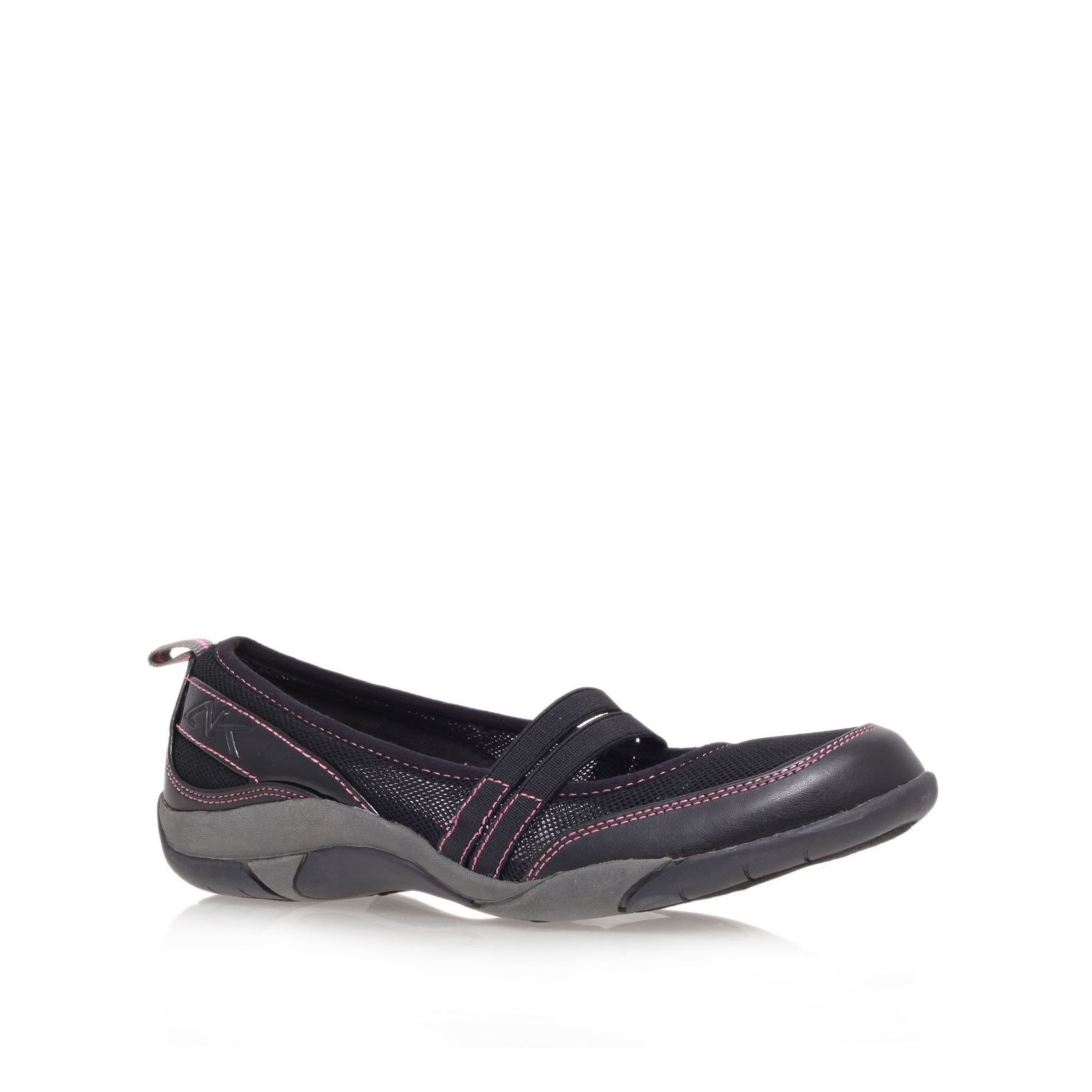 Unbridle flat slip-on shoes