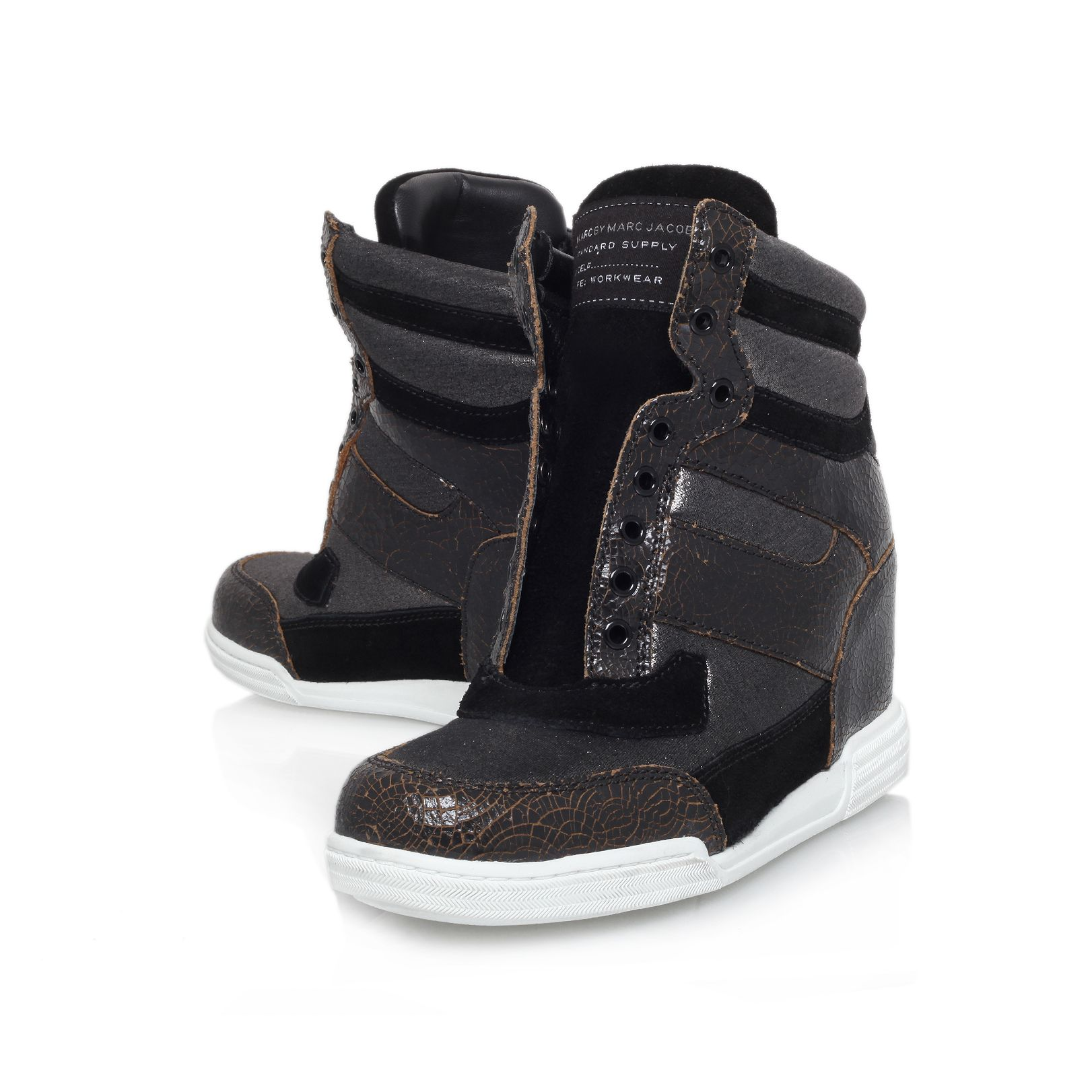 Wedge leather sneaker