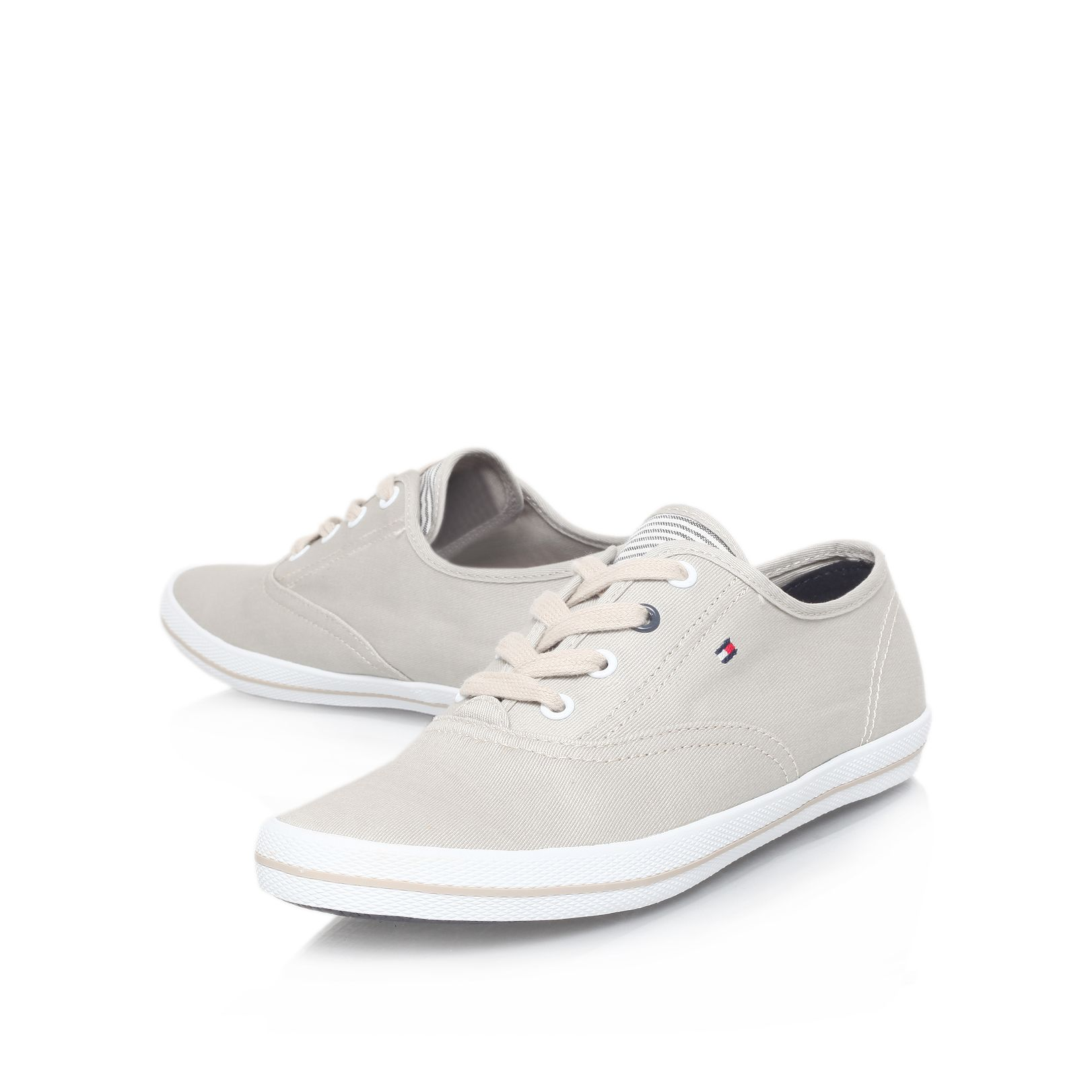 Flat low top trainers