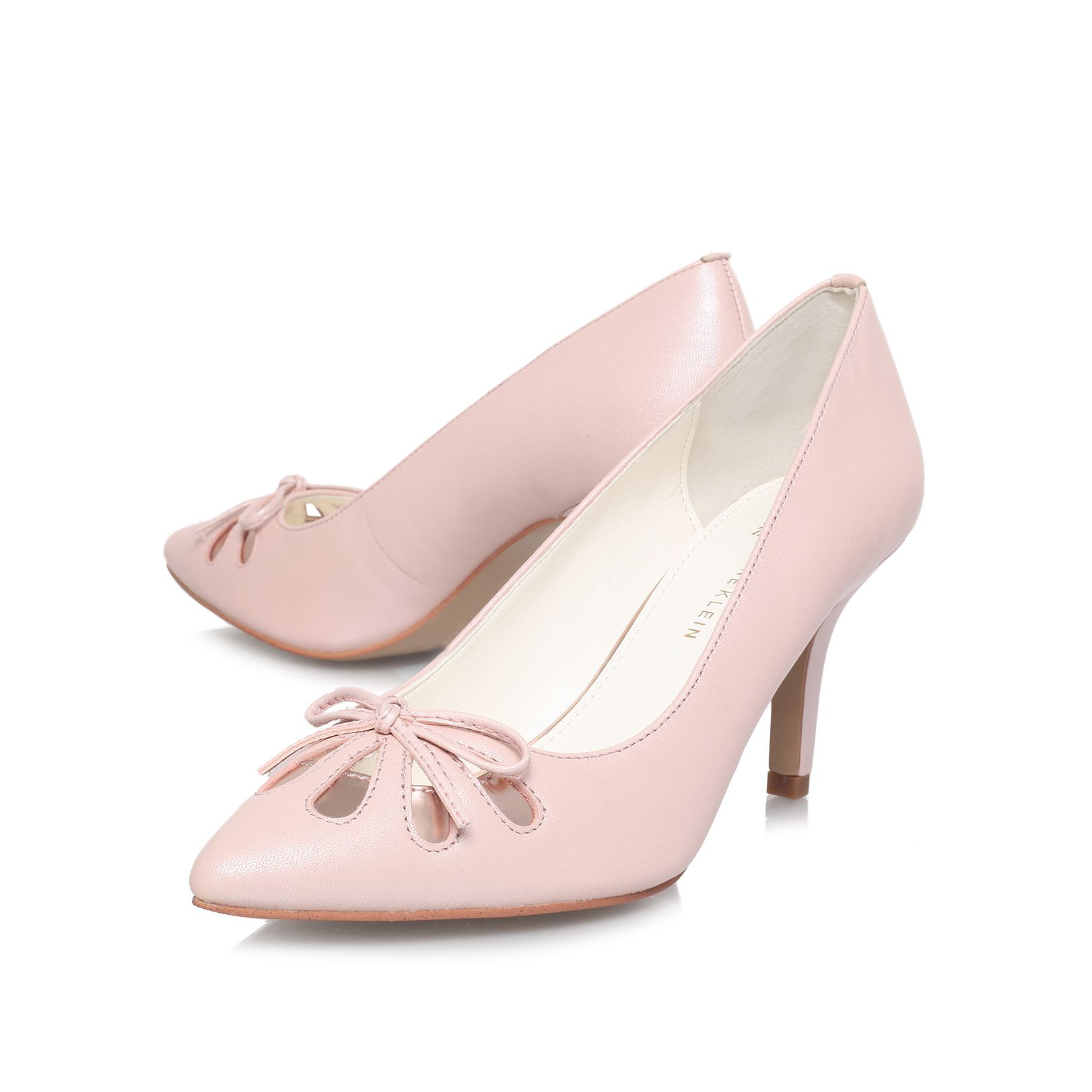 Yasmeen low heeled court shoes