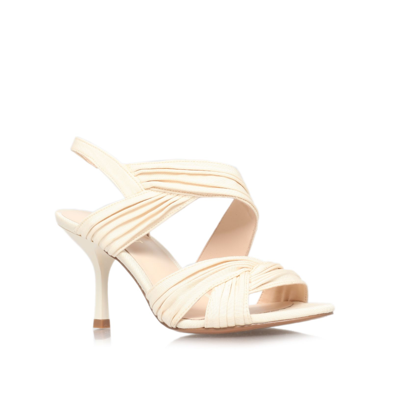 Beaulah22 low heeled court shoes