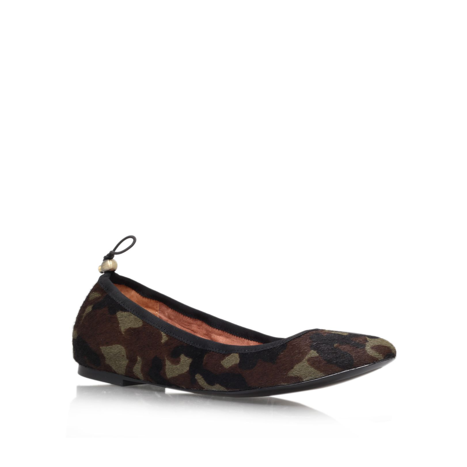 Jemilla slip on pumps