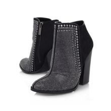 Special high heeled boots