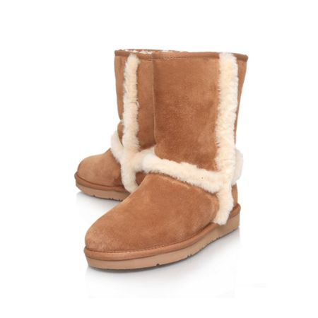 UGG Carter Leather Boot