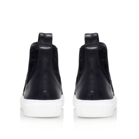 KG Luxembourg pull on trainer boots