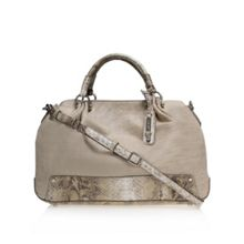 Fresh folds sat handbag