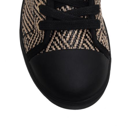 DKNY Blair flat lace up trainer