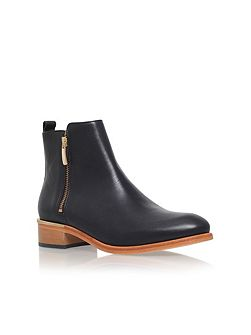 Dansey flat zip up ankle boots