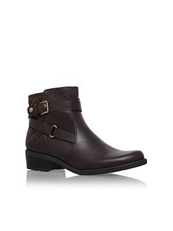 Lynzeeq3 flat buckle detail ankle boots