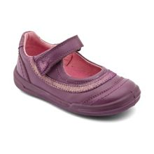 First girl`s flexy soft feather leather shoes