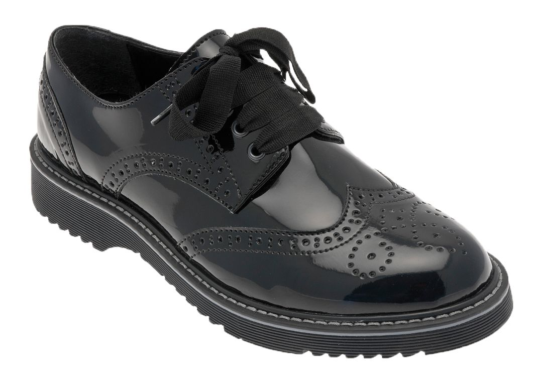 Girl`s impulsive black patent shoes