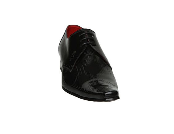 J221 diamond embossed shoes