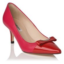 Roxy pointed court with bow trim