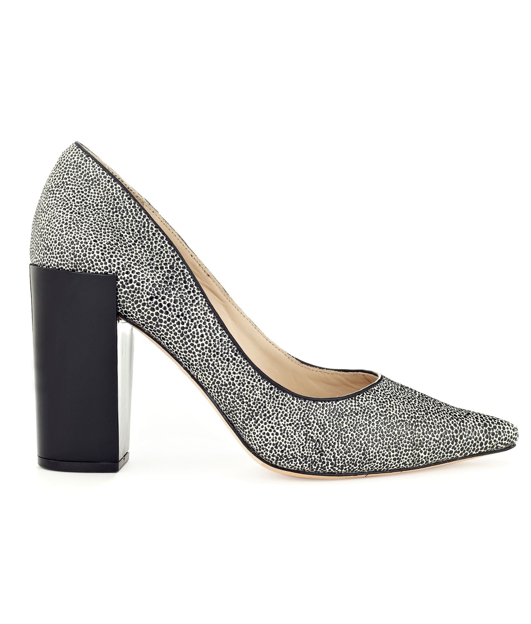 Loni Block Heel Point