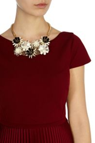 Coast Cali cluster floral necklace