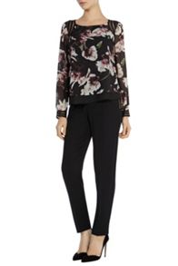 Winter lily printed trim top