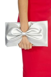 Bow bag clutch