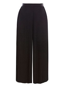Serena Pleated Cropped Trouser