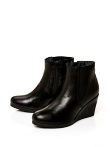 Moda in Pelle Amelias high casual short boots