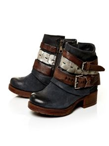 Avino low casual short boots