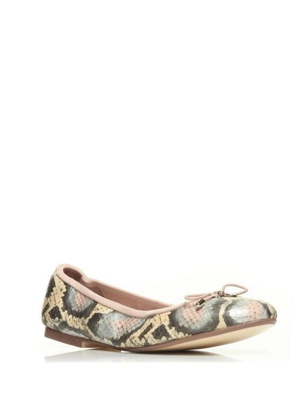 Moda in Pelle Frances flat casual shoes