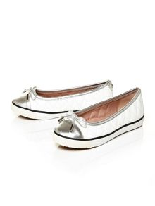 Abree flat casual shoes