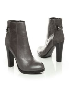 Marcela high smart short boots