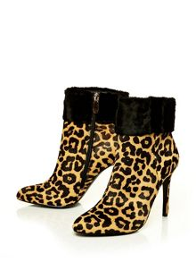 Moda in Pelle Lolas v high smart short boots