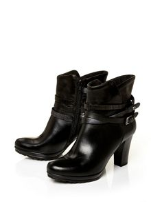 Moda in Pelle Biannca v high casual short boots
